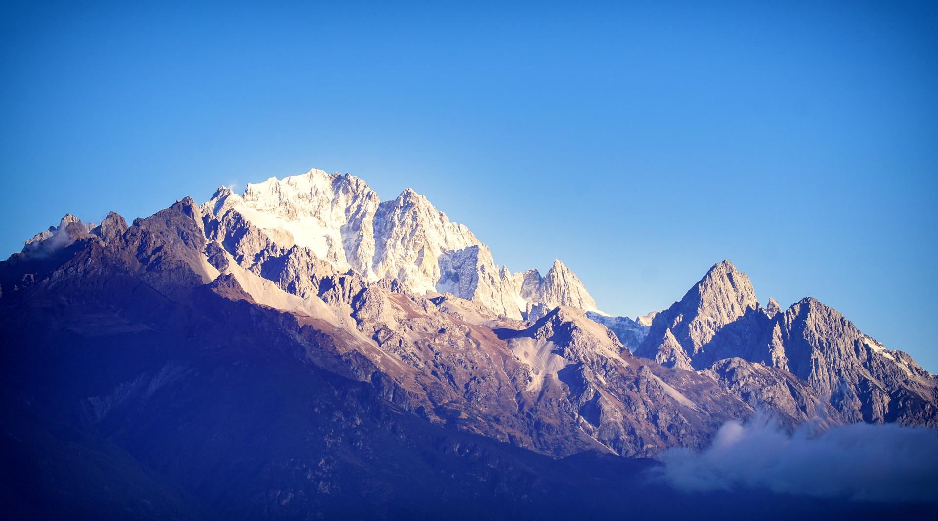 玉龙雪山封面图