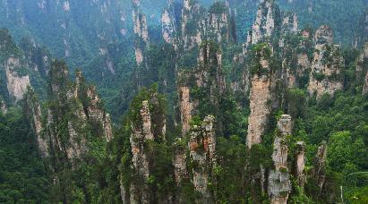 【V2线 探秘阿凡达】<张家界国家森林公园、大峡谷玻璃桥B线、凤凰古城、阿凡达悬浮山高铁四天>