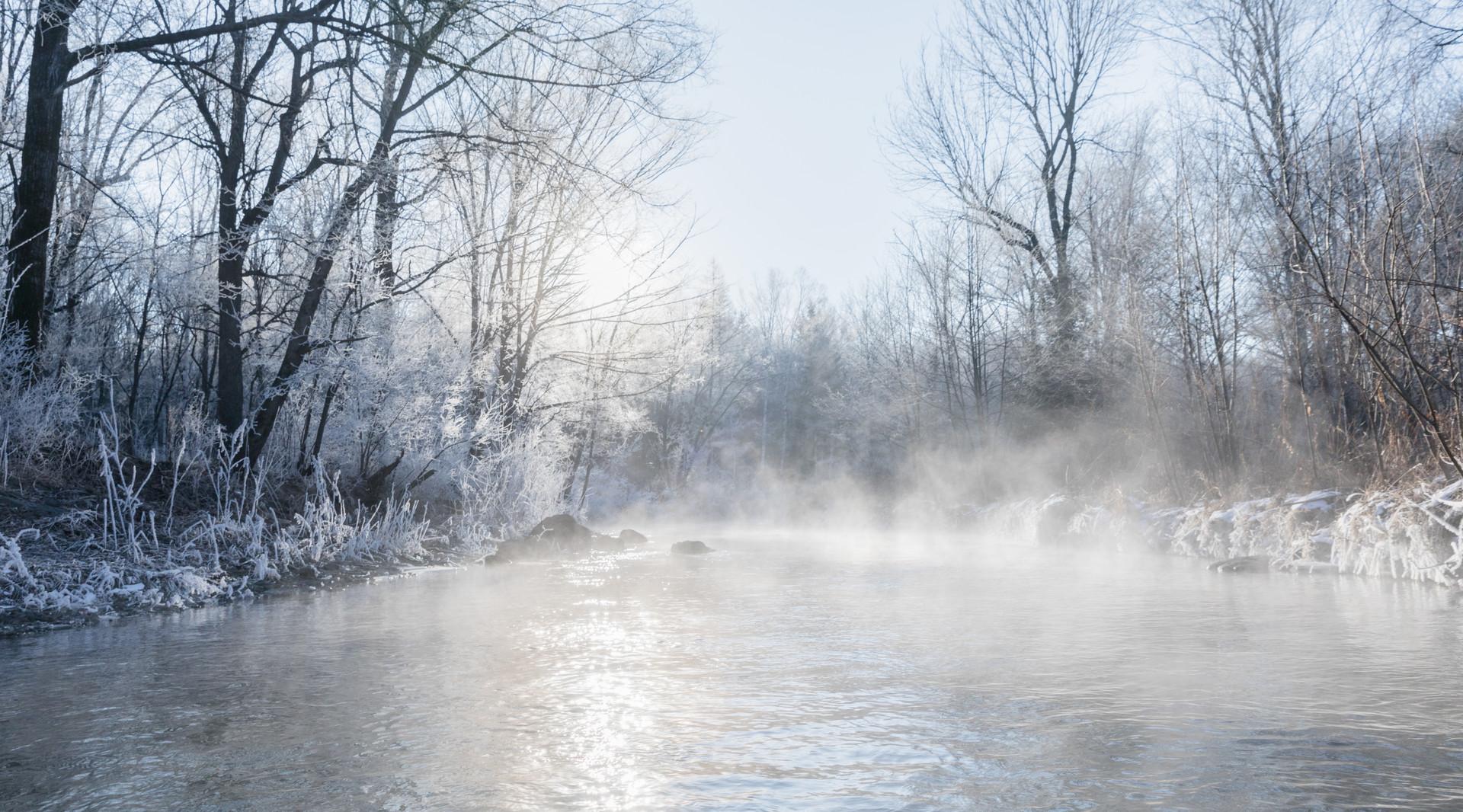 【高标冰雪精华】<吉林雾凇.长白山天池.5星温泉.万达国际度假区滑雪.赠人参>双飞5天团